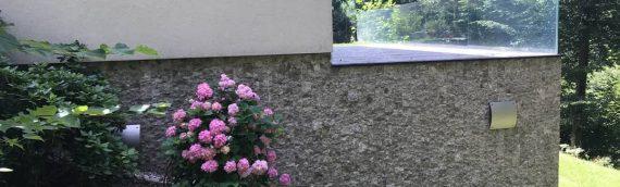 Eksterijer ukrašen bunja dekorativnim kamenom